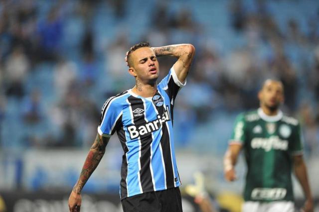 f450ed6d24 Quase 900 minutos sem gol  queda de Luan atrapalha arrancada do ...