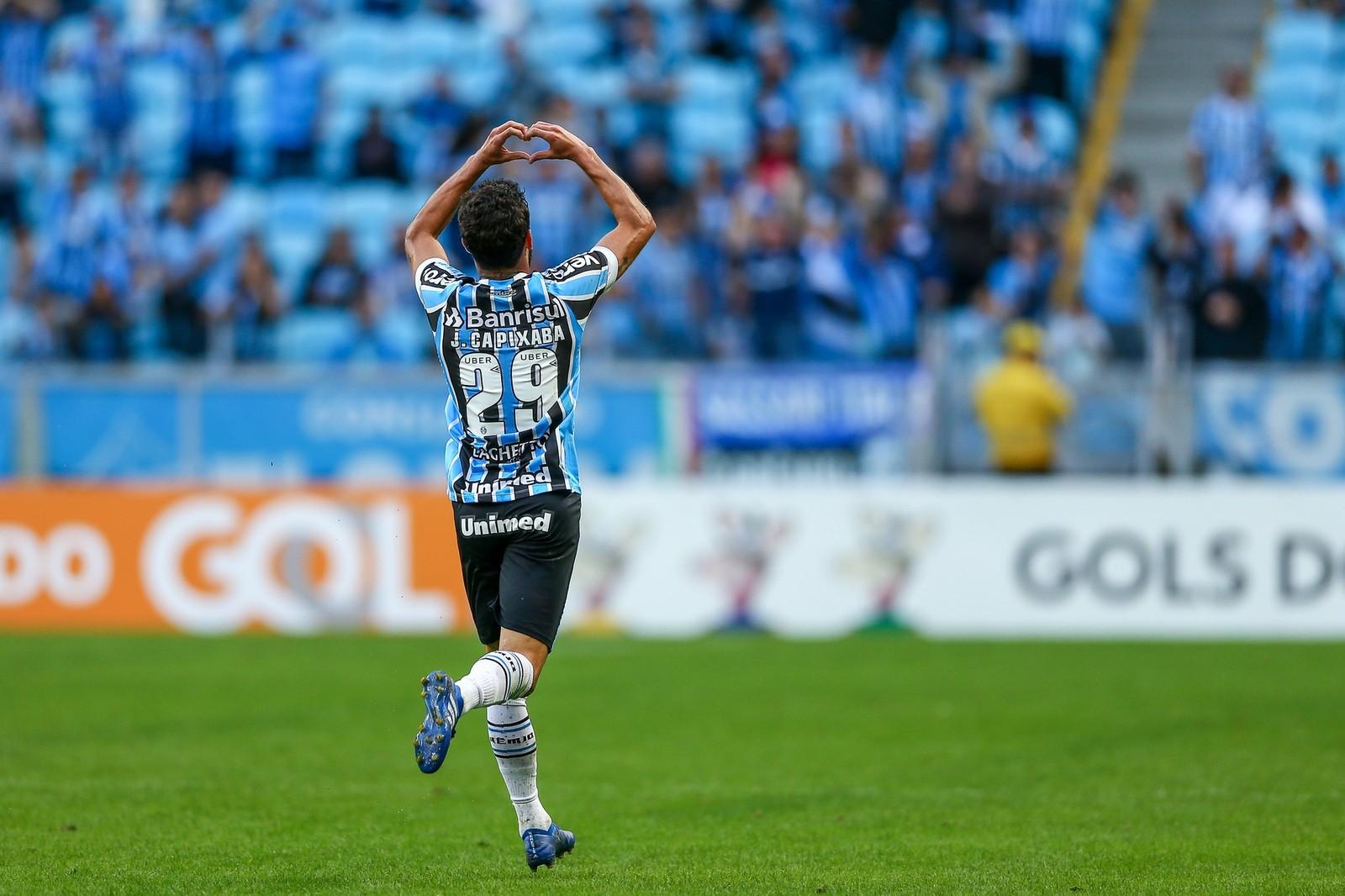 aaa45d16304e0 Juninho Capixaba marca 1º gol em estreia pelo Grêmio e ganha elogios ...