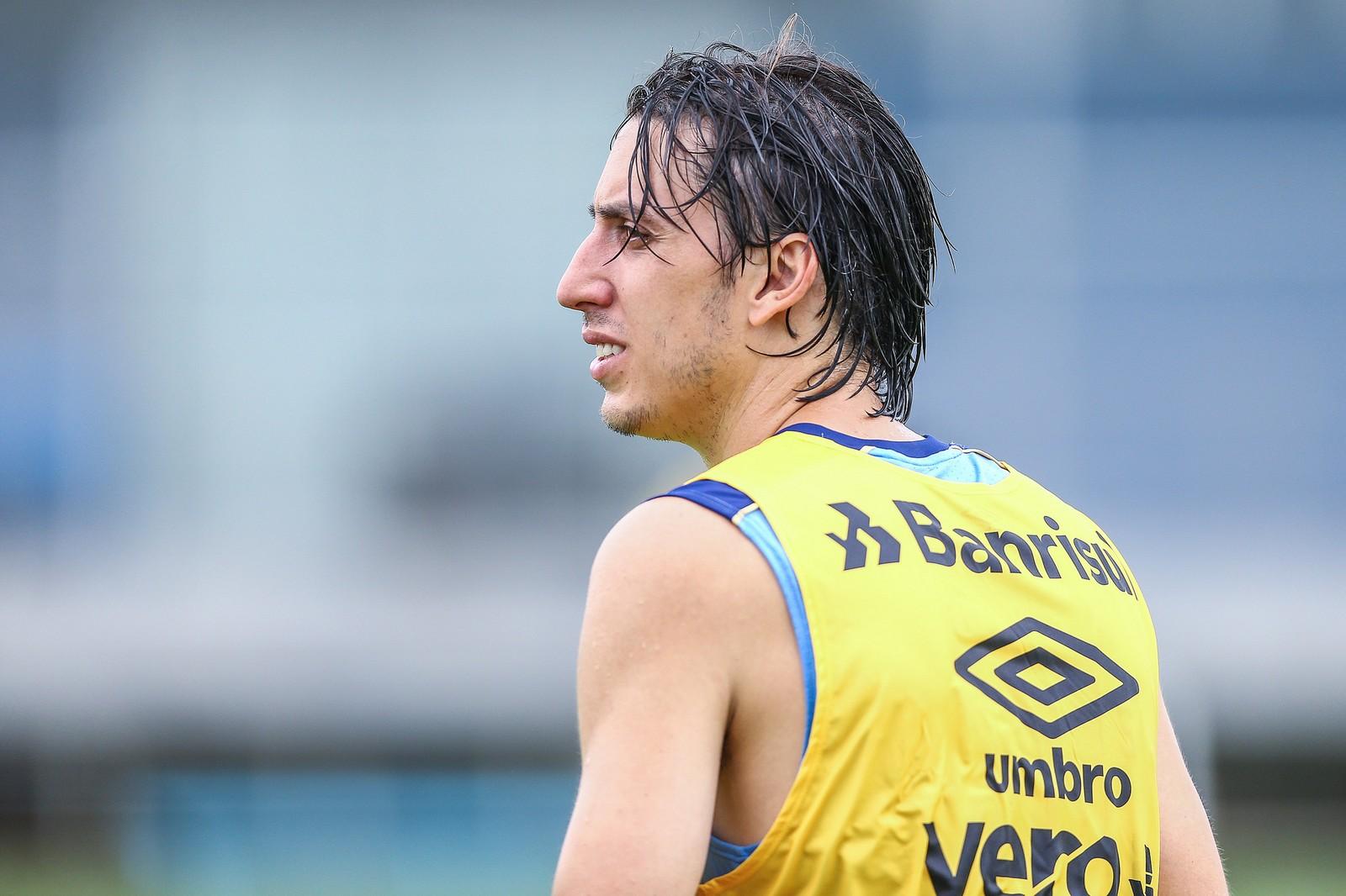 6f34c1f4cc Renato vê dificuldade para contratar zagueiro por disputa com ...