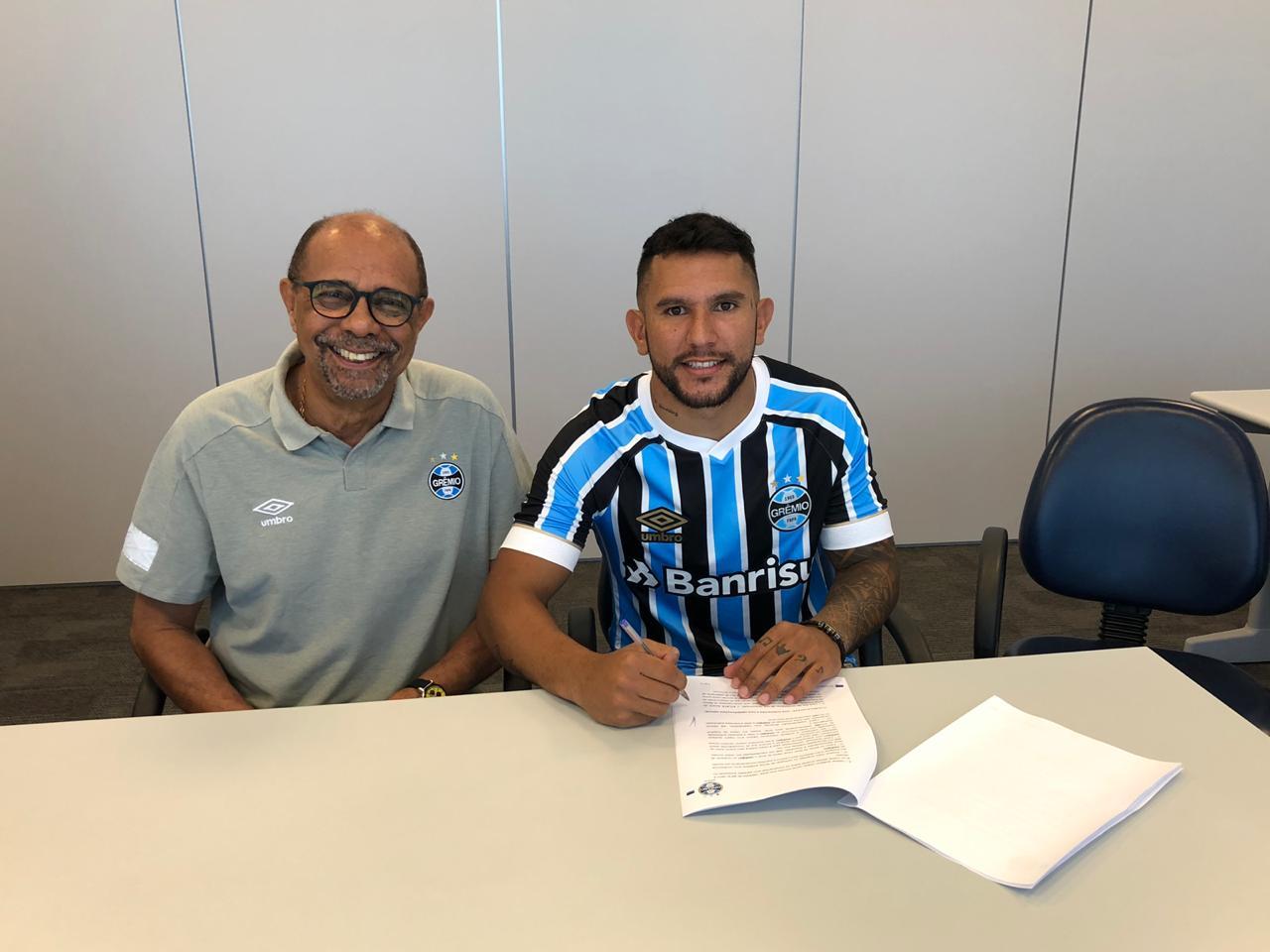 35fc74ceba Grêmio anuncia oficialmente contratação de Walter Montoya - Sangue Azul